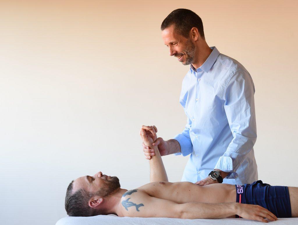 behandling af smerter i skuldre, albuer og håndled