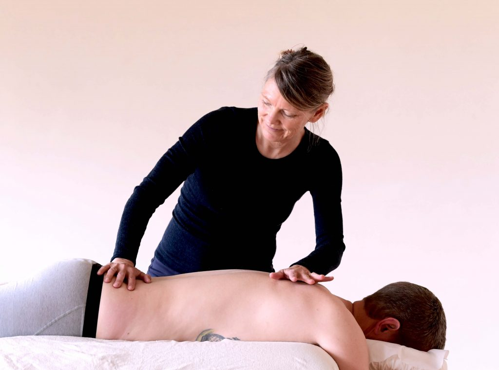 kropsterapi behandling smerter i ryg nakke lænd